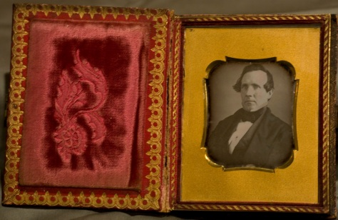 Quarter-plate Daguerreotype, Gentleman in book-form case