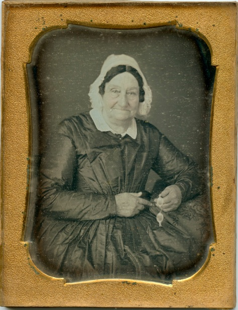 Lady with glasses, Daguerreotype, quarter plate, anonymous