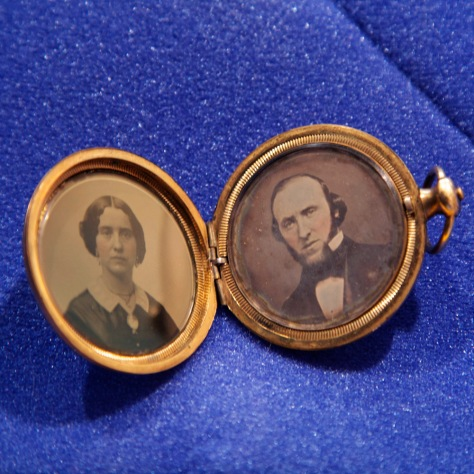 Daughter and Father, daguerrian locket