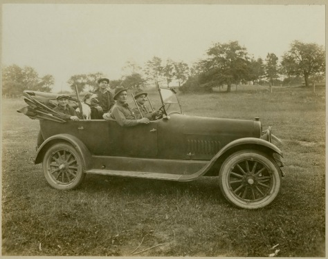 1916 Hunting Party in car, by John D. Isaac, Batavia, NY