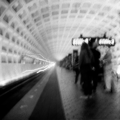 Metro Train Arriving, Archives Station