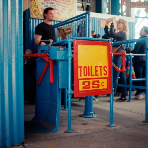 25 cent Toilet, The Wonder Wheel