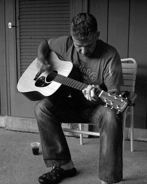 Andrew Moxom, Guitar