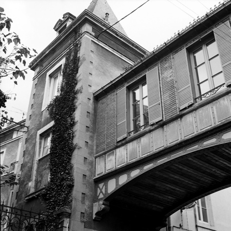 Bridge House, Rue de L'Oratorie