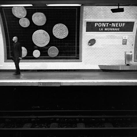 Paris Metro-Pont Neuf