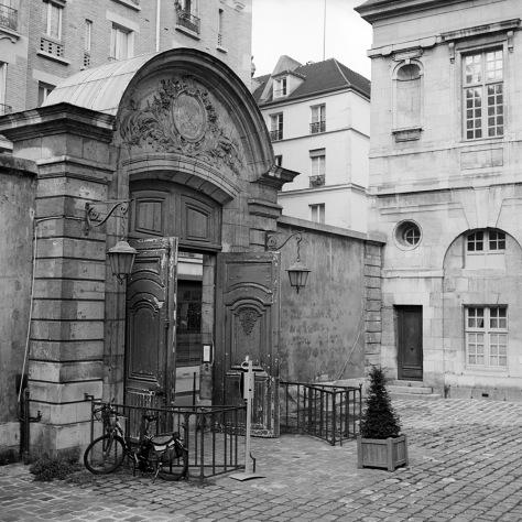 Le Porte du La Bibliotheque de Paris