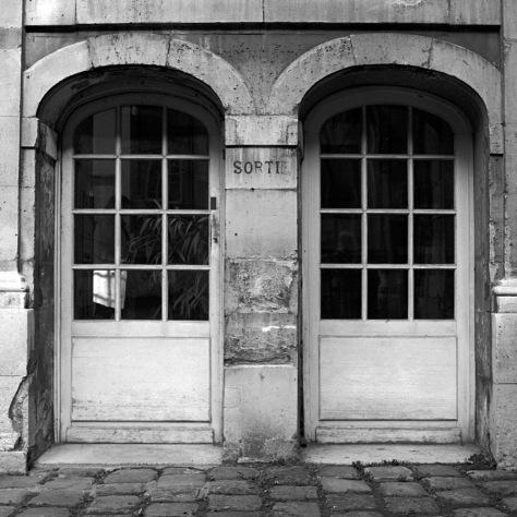 Sortie, Bibliotheque de Paris