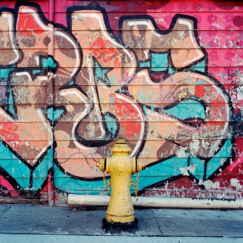 Hydrant, Graffiti