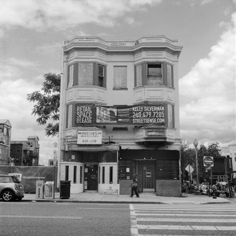 Mitonis Salon, 14th Street