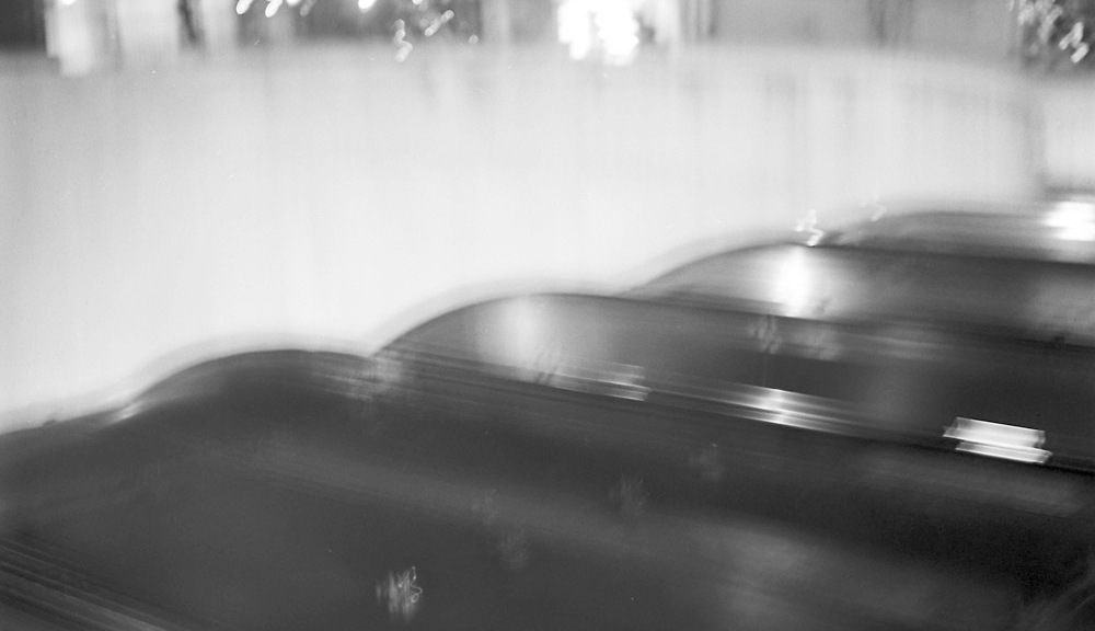 Dupont Escalator, Topside