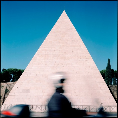 Pyramid of Cestius, Scooter