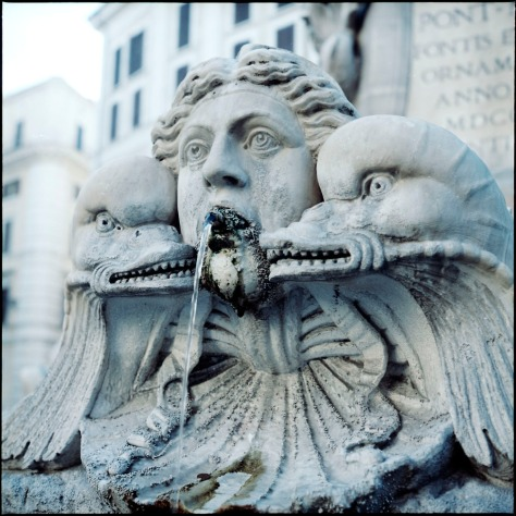 Fountain, Pantheon