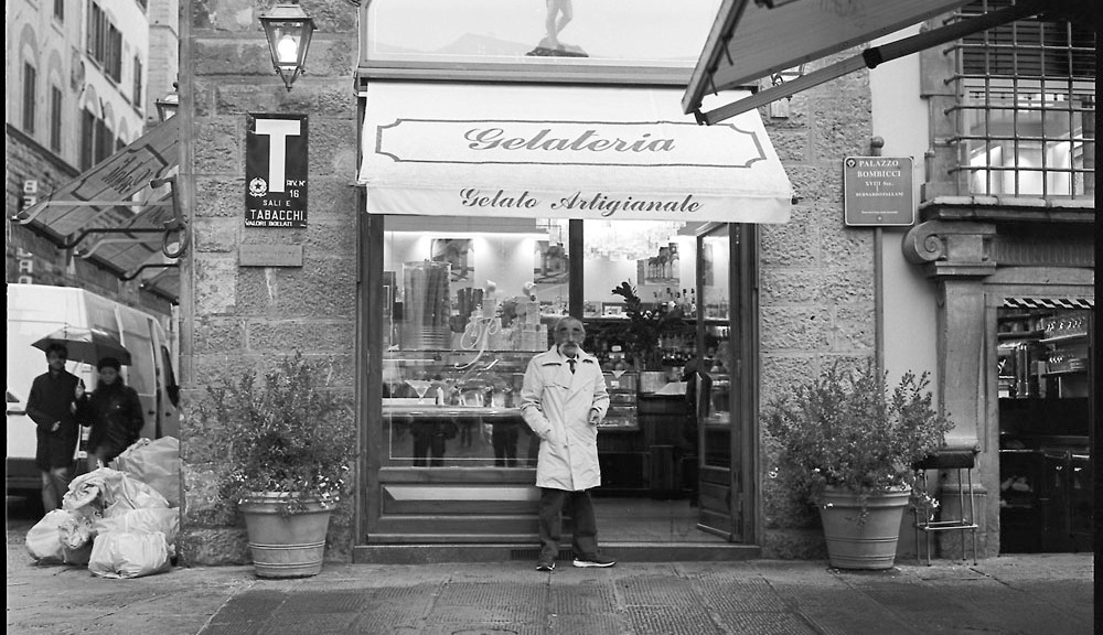 Gelateria, Twilight, In The Rain